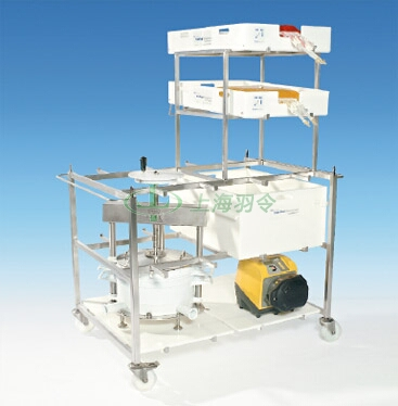 Allegro multi-purpose trolley configured with <a href='http://pall.net.cn/' target='_blank'>颇尔</a> Stax™ depth filtration unit, 100 L Allegro tote, 20 L Allegro trays and Allegro tabletop